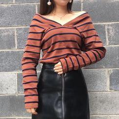 Champi - Striped V-Neck Long-Sleeve T-Shirt