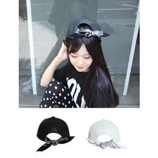 VANILLA SECOND - Scarf-Back Faux-Leather Cap