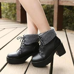 Mancienne - Fleece-Trim Lace-Up Ankle Boots