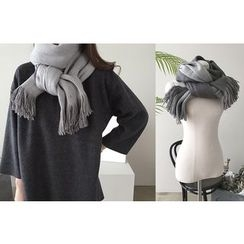 DAILY LOOK - Tassel-Detail Knit Scarf