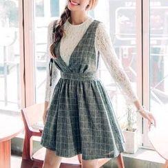 Jolly Club - Set: Lace Top + Plaid Dress