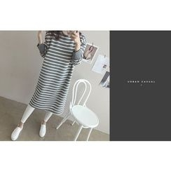 DAILY LOOK - Round-Neck Striped Dress