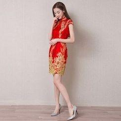 Royal Style - Lace Appliqué Cap Sleeve Cheongsam