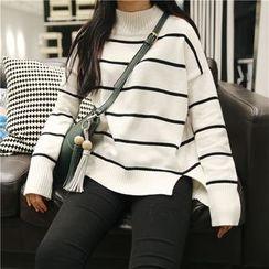 QZ Lady - Striped Mock Neck Sweater