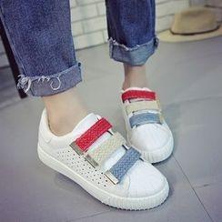 Charming Kicks - 魔术贴休閒鞋