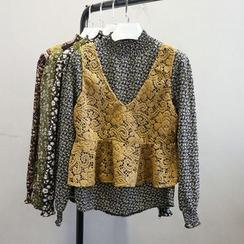 Phantasy - Set: Mock neck Floral Blouse + Lace Vest