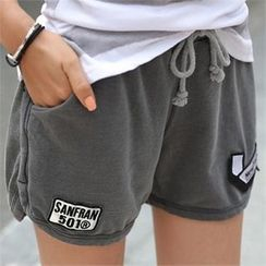 CHICFOX - Appliqué Sweat Shorts