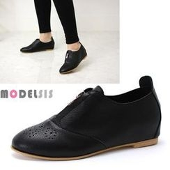 MODELSIS - Perforated Zip-Trim Oxfords