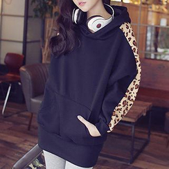 PUFII - Hooded Pullover with Leopard-Print Sleeves