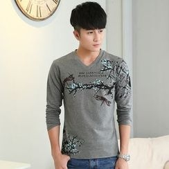 Walwa - Print V-neck Long-Sleeve T-shirt