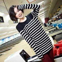 Tokyo Fashion - Button-Detail Striped Long Sweater