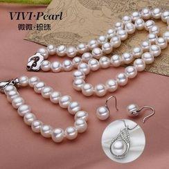 ViVi Pearl - 套装: 淡水珍珠鈎耳环 + 项链 + 手链 + 水滴垂饰