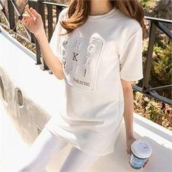 PEPER - Short-Sleeve Lettering T-Shirt