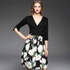 Ozipan - Elbow-Sleeve V-Neck Print-Panel Dress