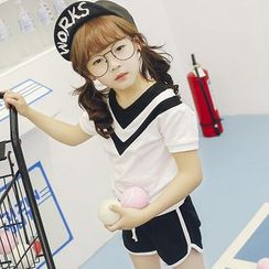 Lemony dudu - Kids Set: Short-Sleeve V-Neck T-Shirt + Shorts