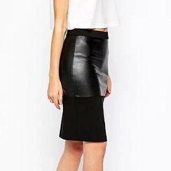 Chicsense - Faux-Leather-Panel Midi Skirt