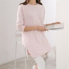 PEPER - Slit-Side Long T-Shirt