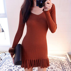 chuu - Ruffle-Hem Rib-Knit Bodycon Dress