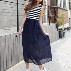Envy Look - Striped Sleeveless Midi Dress