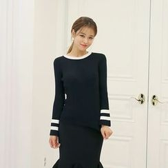 DABAGIRL - Bell-Sleeve Contrast-Trim Knit Top