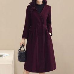Donnae - V-Neck Woolen Coat
