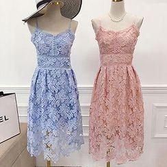 Octavia - Lace Midi Dress