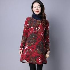 Supernova - Patterned High-Neck Long-Sleeve Dress