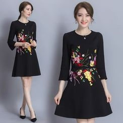 Diosa - Flower Embroidered 3/4 Sleeve Dress