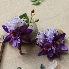 Roseline - Floral Brooch