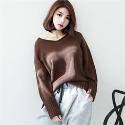 GLAM12 - Wool-Blend V-Neck Sweater
