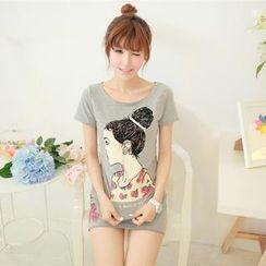 Porta - Set: Embellished Girl Print T-shirt + Miniskirt