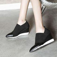 JY Shoes - Hidden Wedge Genuine Leather Slip Ons