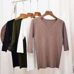 Color7 - Short-Sleeve V-Neck Plain Knit Top