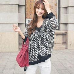 Tokyo Fashion - Dolman-Sleeve Diagonal-Hem Sweater