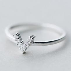 A'ROCH - 水鑽V形戒指
