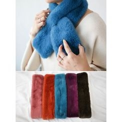 STYLEBYYAM - Colored Faux-Fur Key-Hole Scarf