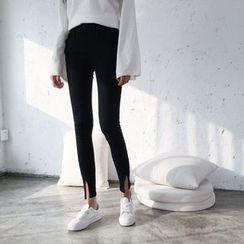 Jeans Kingdom - Notch Hem Skinny Jeans