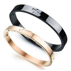 Tenri - Cross Bangle