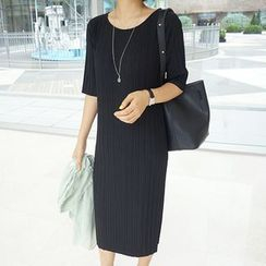 STYLEBYYAM - Pleated Midi Dress