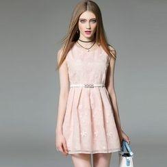 洛圖 - 無袖刺繡連衣裙