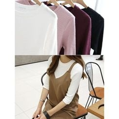 hellopeco - Round-Neck 3/4-Sleeve Top