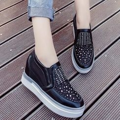 Yuki Yoru - Hidden Wedge Beaded Slip-Ons