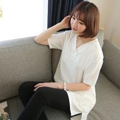 CLICK - V-Neck Plain T-Shirt