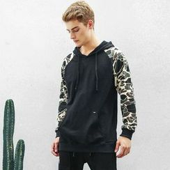 VALS - Camouflage-Sleeve Hooded PUllover