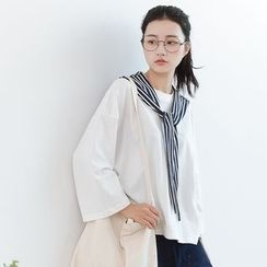 Forest Girl - Long-Sleeve T-Shirt with Striped Shawl