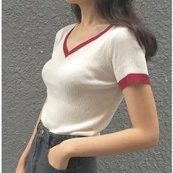 MATO - Short-Sleeve V-Neck Knit Top