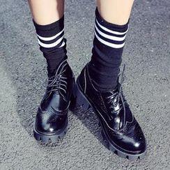 Mancienne - Wing-Tip Platform Chunky-Heel Oxfords