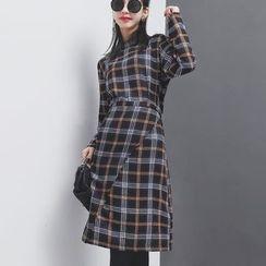 Sonne - Long-Sleeved Plaid Dress with Sash
