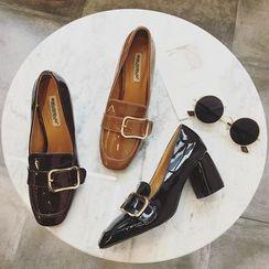 Zapatos - 漆皮搭扣皮鞋