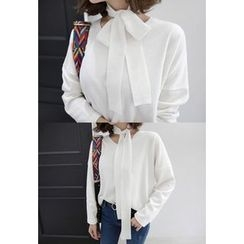 Miamasvin - V-Neck Knit Top with Sash